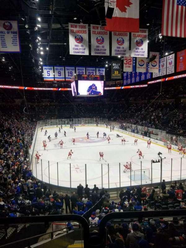 Nassau Veterans Memorial Coliseum, secção: 125, fila: 8, lugar: 1