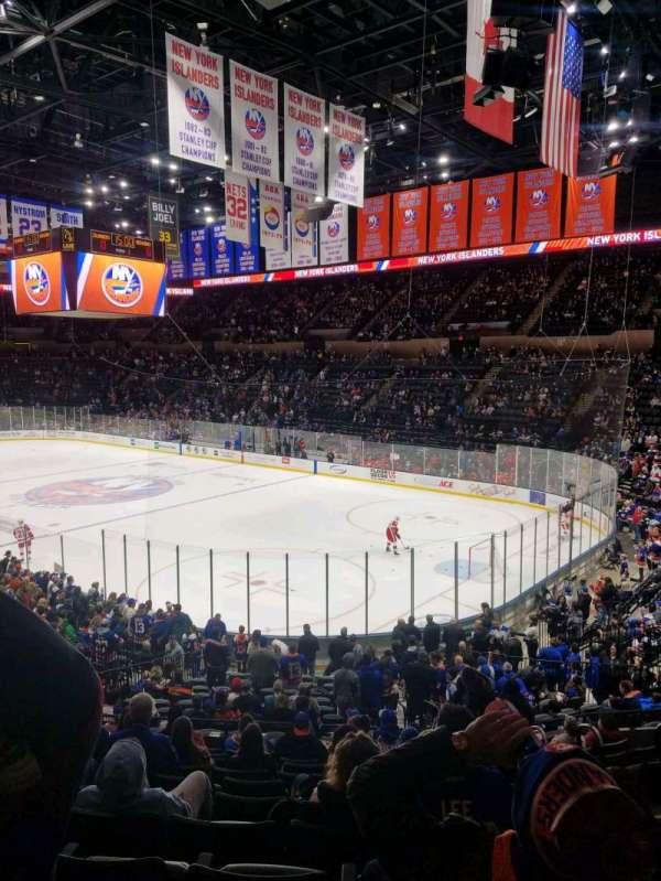 Nassau Veterans Memorial Coliseum, secção: 127, fila: 10, lugar: 1