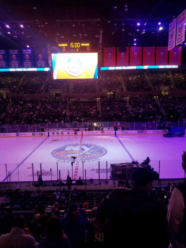 Nassau Veterans Memorial Coliseum, secção: 103, fila: 10, lugar: 1