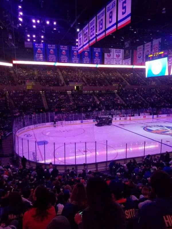 Nassau Veterans Memorial Coliseum, secção: 106, fila: 10, lugar: 1