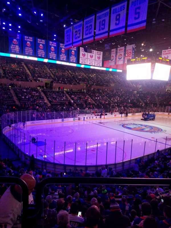 Nassau Veterans Memorial Coliseum, secção: 107, fila: 10, lugar: 1