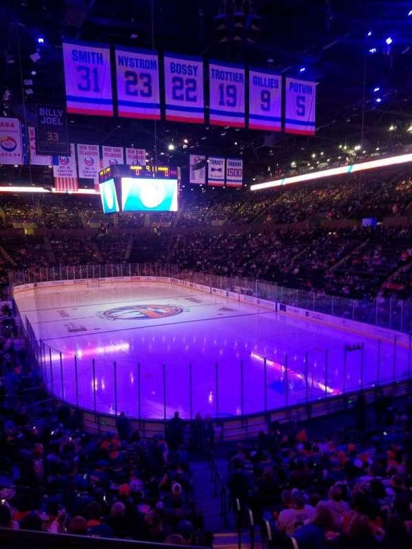 Nassau Veterans Memorial Coliseum, secção: 111, fila: 10, lugar: 1