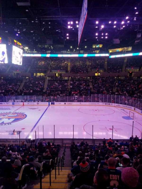 Nassau Veterans Memorial Coliseum, secção: 115, fila: 10, lugar: 1