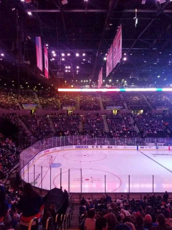 Nassau Veterans Memorial Coliseum, secção: 119, fila: 10, lugar: 1