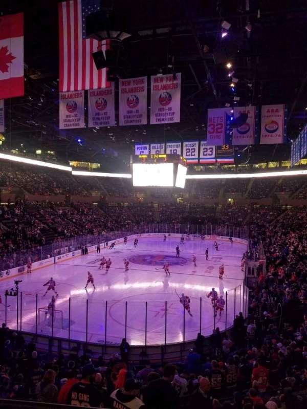Nassau Veterans Memorial Coliseum, secção: 122, fila: 10, lugar: 4