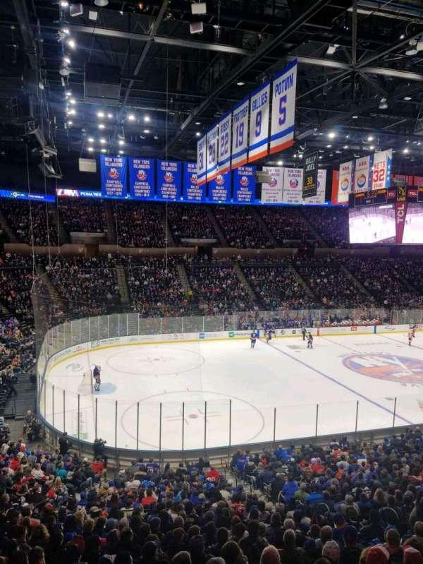 Nassau Veterans Memorial Coliseum, secção: 206, fila: 10, lugar: 1