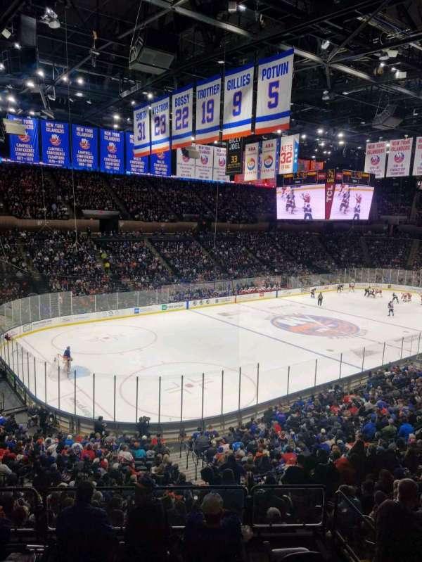 Nassau Veterans Memorial Coliseum, secção: 207, fila: 1, lugar: 1