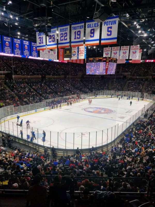 Nassau Veterans Memorial Coliseum, secção: 209, fila: 1, lugar: 1