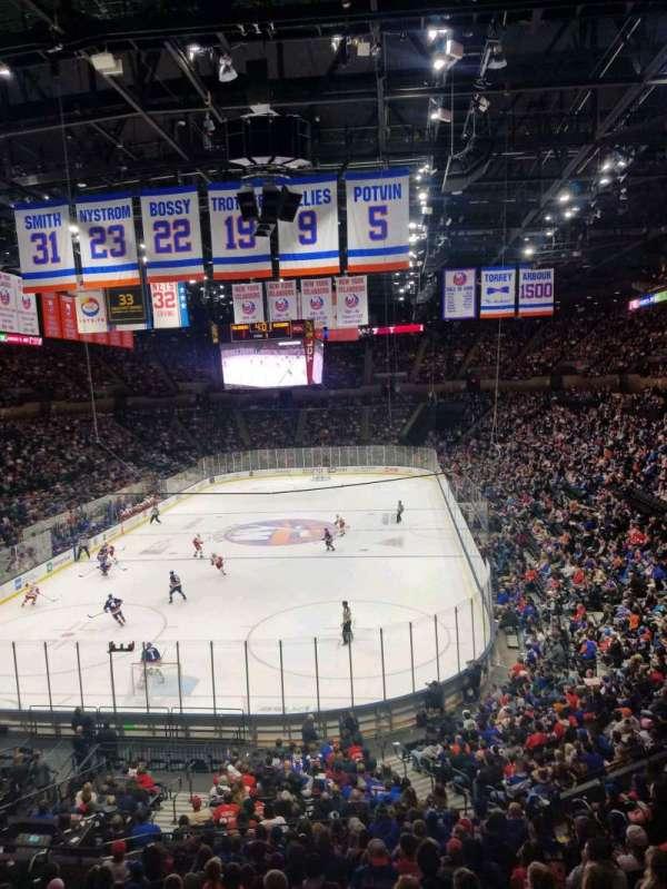 Nassau Veterans Memorial Coliseum, secção: 211, fila: 1, lugar: 1