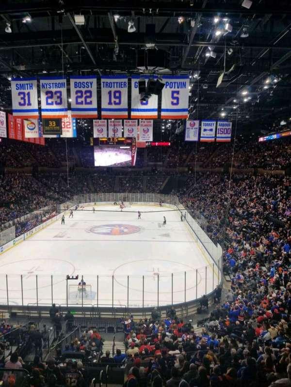 Nassau Veterans Memorial Coliseum, secção: 212, fila: 1, lugar: 10