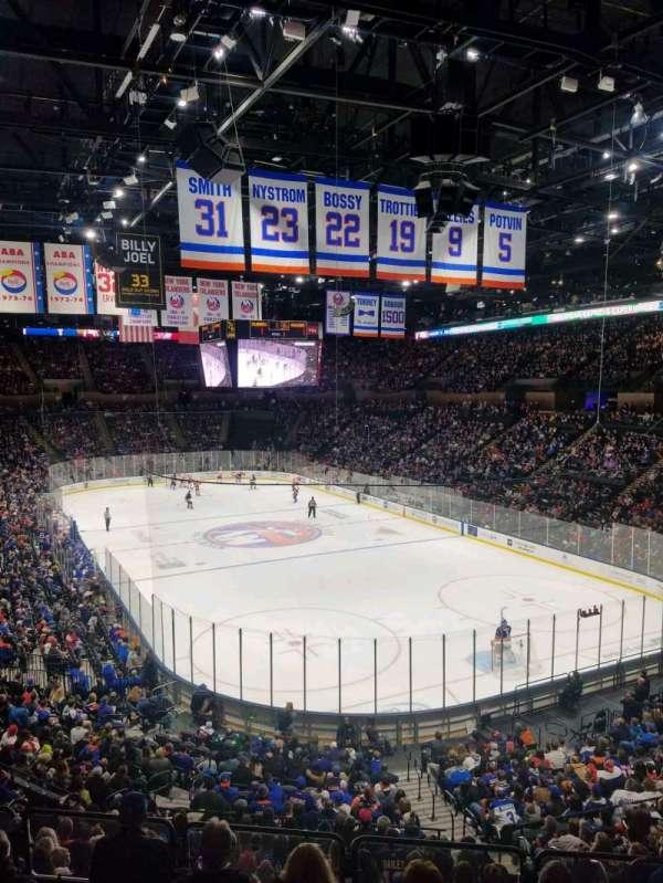 Nassau Veterans Memorial Coliseum, secção: 215, fila: 1, lugar: 1