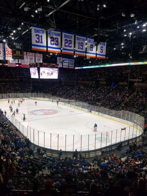 Nassau Veterans Memorial Coliseum, secção: 216, fila: 1, lugar: 10
