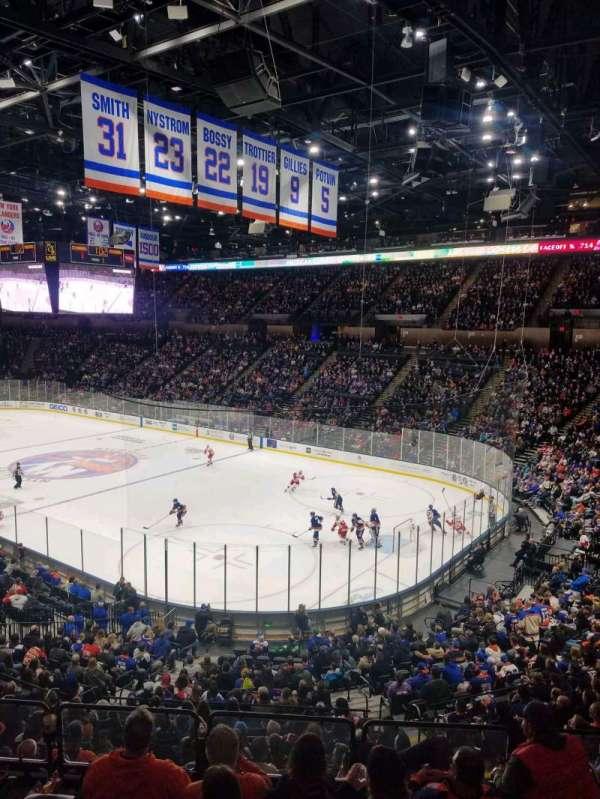 Nassau Veterans Memorial Coliseum, secção: 217, fila: 1, lugar: 1