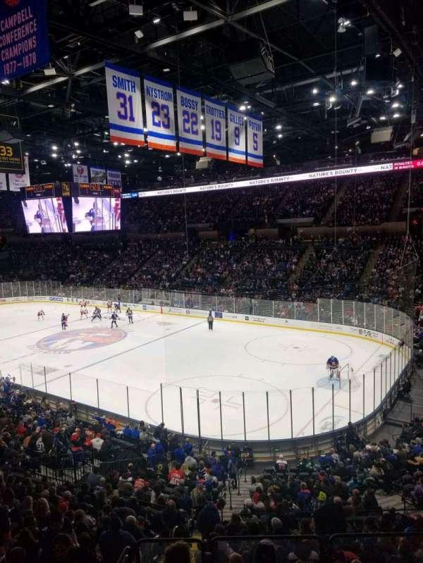 Nassau Veterans Memorial Coliseum, secção: 218, fila: 1, lugar: 10