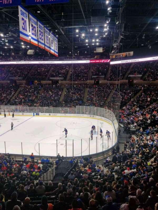 Nassau Veterans Memorial Coliseum, secção: 219, fila: 1, lugar: 1