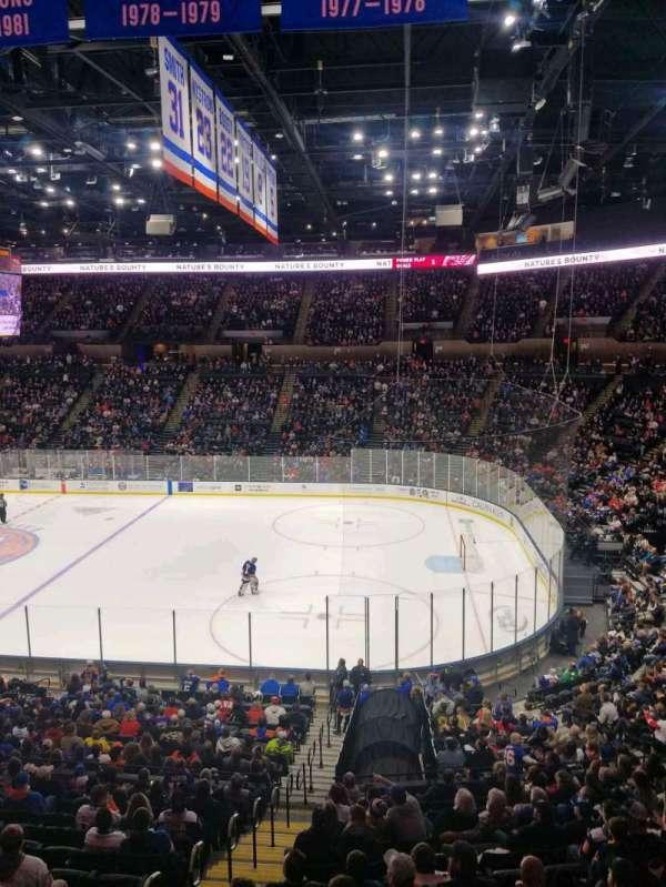 Nassau Veterans Memorial Coliseum, secção: 220, fila: 1, lugar: 10