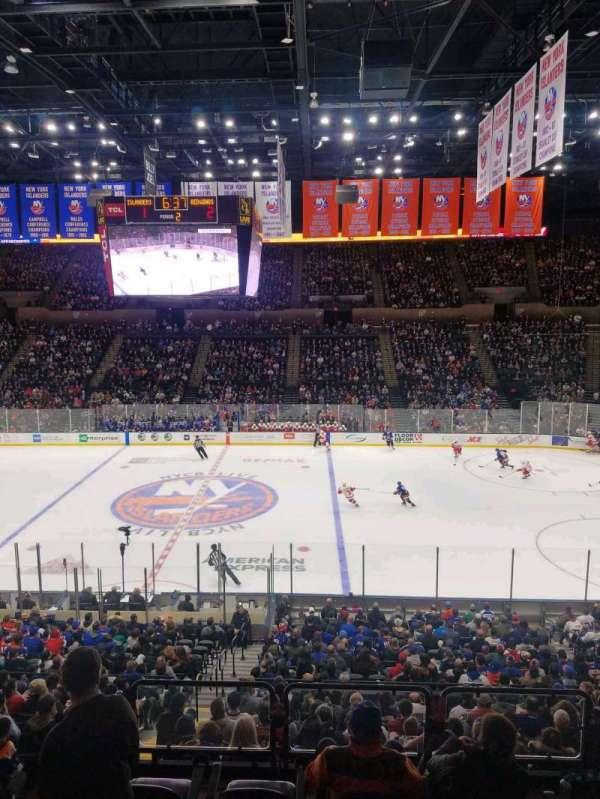 Nassau Veterans Memorial Coliseum, secção: 203, fila: 1, lugar: 1