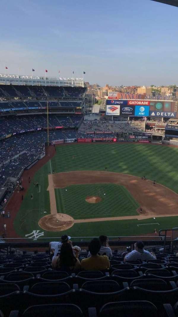 Yankee Stadium, secção: 418, fila: 12, lugar: 11