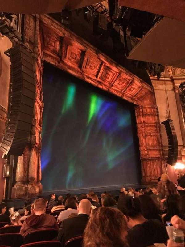 St. James Theatre, secção: Orchestra L, fila: L, lugar: 27