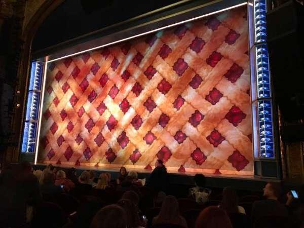 Brooks Atkinson Theatre, secção: ORCHR, fila: G, lugar: 10