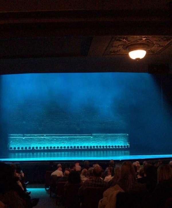 Broadhurst Theatre, secção: Orchestra L, fila: Q, lugar: 1