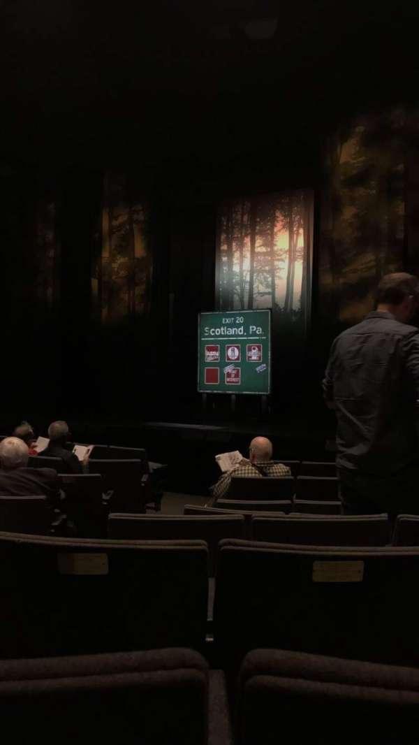 Laura Pels Theatre, secção: Orchestra, fila: K, lugar: 4