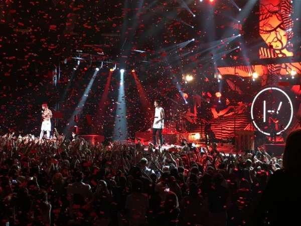 Madison Square Garden, secção: 107, fila: 3, lugar: 8