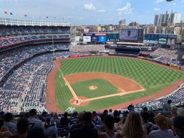 Yankee Stadium, secção: 419, fila: 11, lugar: 10
