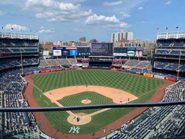 Yankee Stadium, secção: 420B, fila: 1, lugar: 8