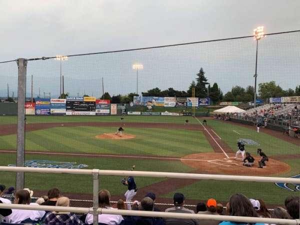 Everett Memorial Stadium, secção: I, fila: 7, lugar: 6