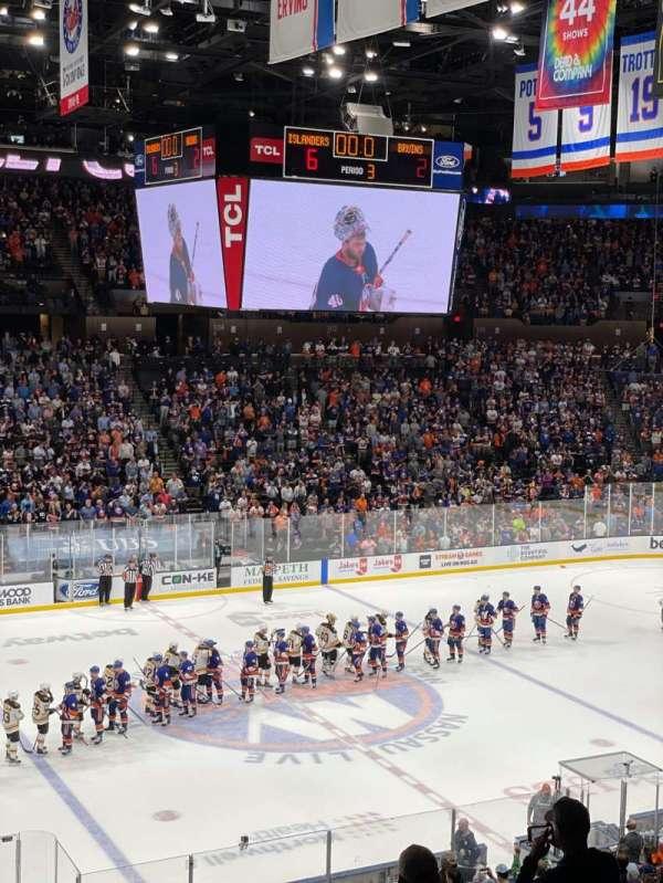 Nassau Veterans Memorial Coliseum, secção: 225, fila: 2, lugar: 3