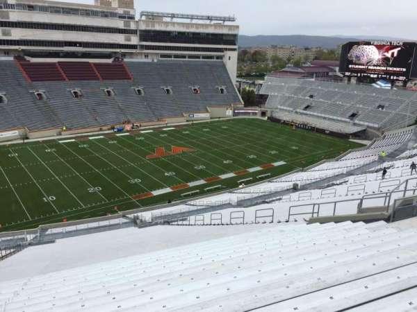 Lane Stadium, secção: 37, fila: 4S, lugar: 24