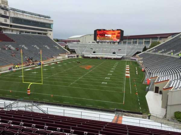 Lane Stadium, secção: 203, fila: N, lugar: 12