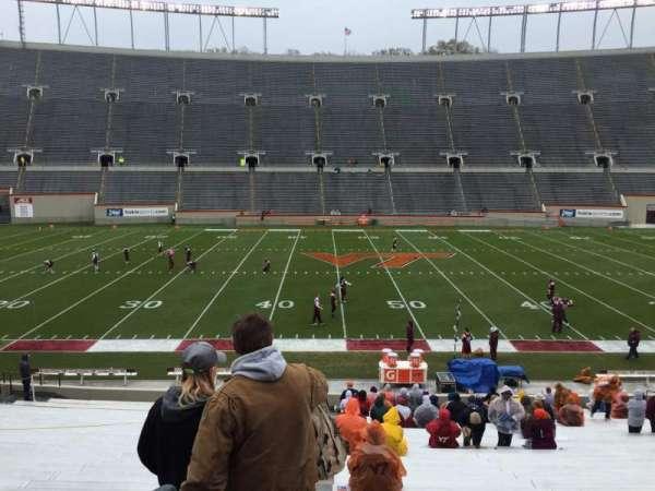 Lane Stadium, secção: 10, fila: EE, lugar: 2