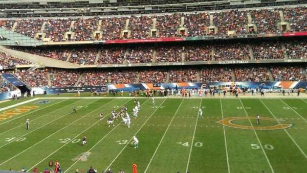 Soldier Field, secção: 338, fila: 1, lugar: 8