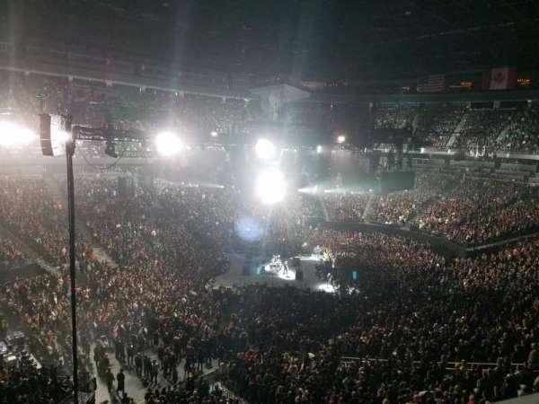 T-Mobile Arena, secção: 201, fila: A, lugar: 1