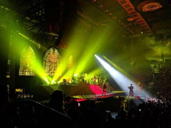 Budweiser Events Center, secção: R, fila: 8, lugar: 13