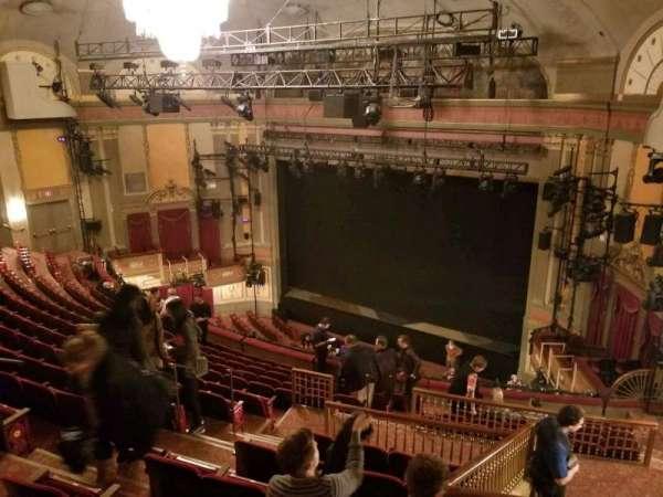 Neil Simon Theatre, secção: Mezzanine R, fila: O, lugar: 14
