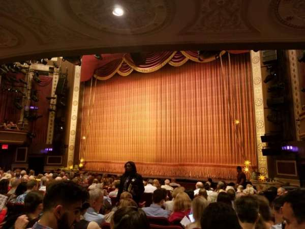 Imperial Theatre, secção: Orchestra R, fila: K, lugar: 10