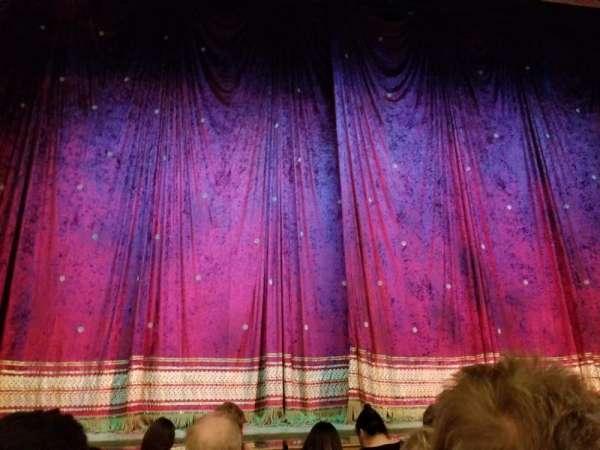 Booth Theatre, secção: Orchestra C, fila: C, lugar: 102