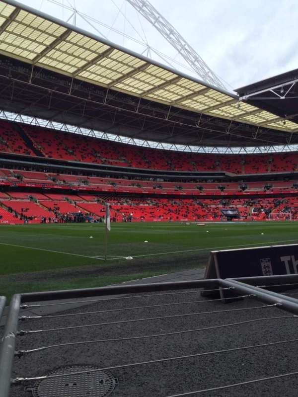 Wembley Stadium, secção: 128, fila: 1, lugar: 146