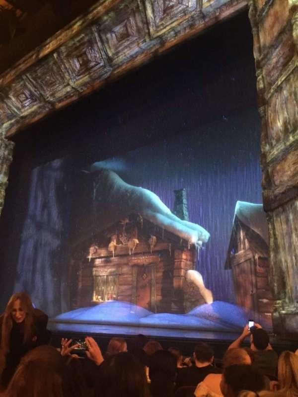 St. James Theatre, secção: ORCHR, fila: F, lugar: 14