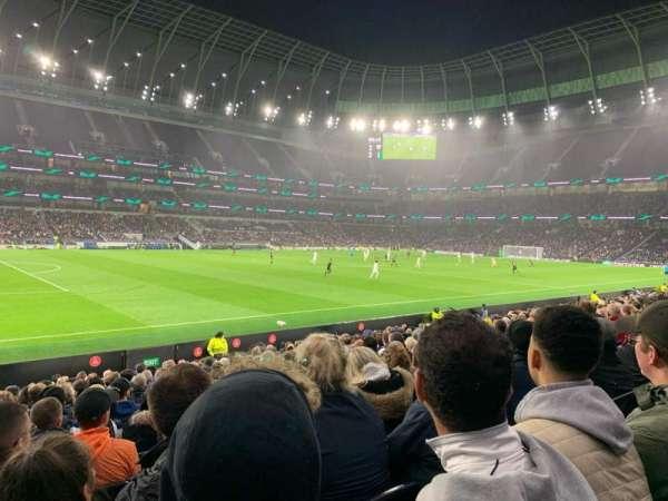 Tottenham Hotspur Stadium, secção: 123, fila: 17