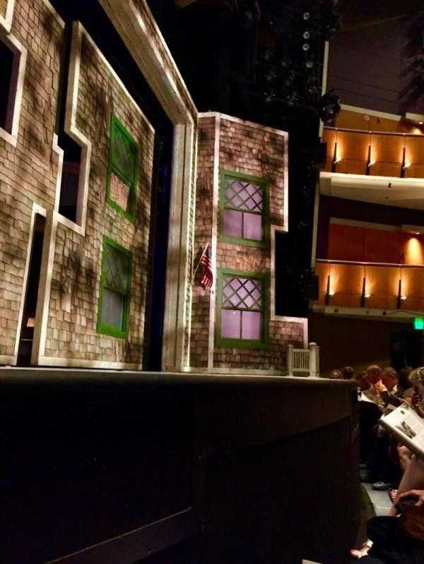 Ahmanson Theatre, secção: Orch, fila: AA, lugar: 23