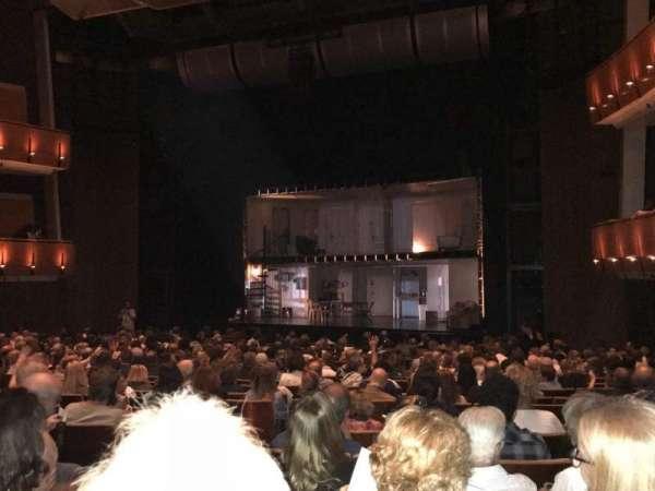 Ahmanson Theatre, secção: Orch, fila: T, lugar: 11