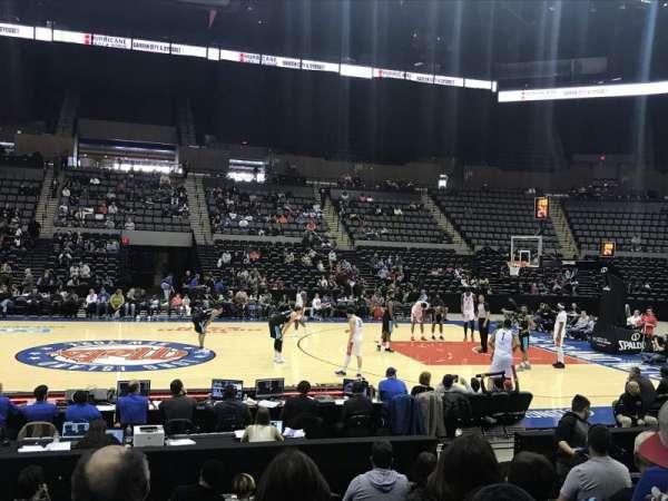 Nassau Veterans Memorial Coliseum, secção: 17, fila: 9, lugar: 10