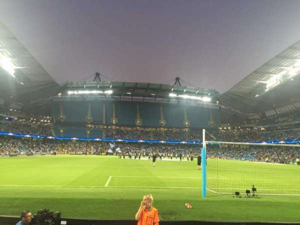 Etihad Stadium (Manchester), secção: 137, fila: D, lugar: 1040