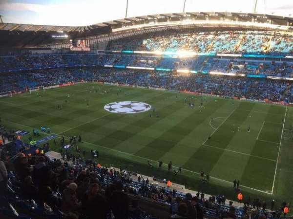 Etihad Stadium (Manchester), secção: 323, fila: M, lugar: 636
