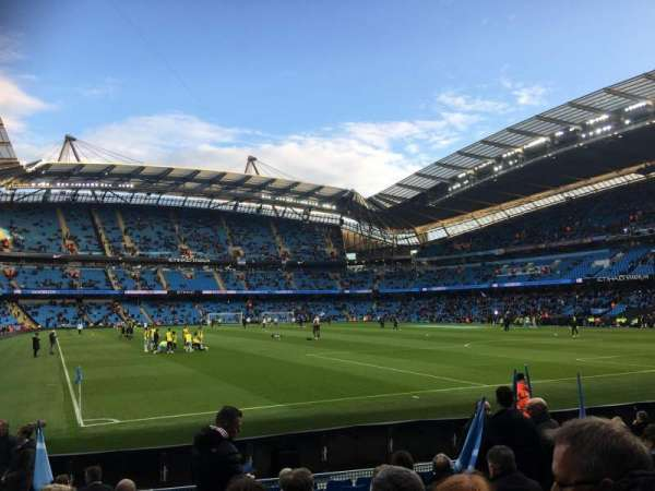 Etihad Stadium (Manchester), secção: 140, fila: L, lugar: 1103