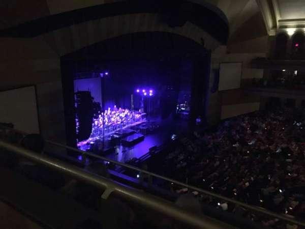 Miller High Life Theatre, secção: UBOX2, fila: B, lugar: 9